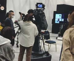 テレビカメラで撮影の練習(ง •̀ω•́)ง