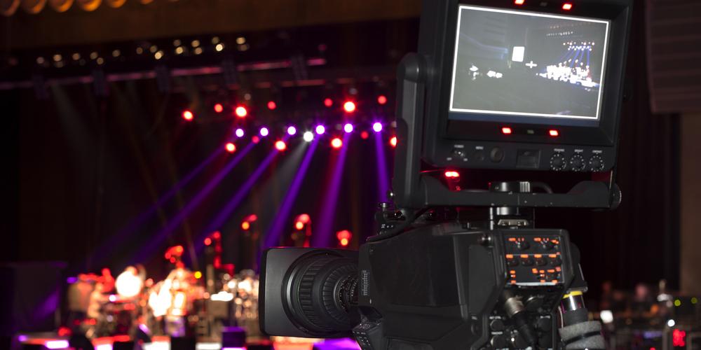 アーティストとの共同作品! PV撮影を手がける映像作家の仕事内容は?