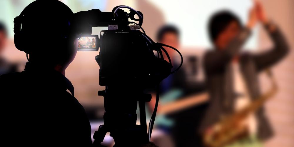 明日誰かに教えたくなる! アーティストの動画「PV」と「MV」の違い