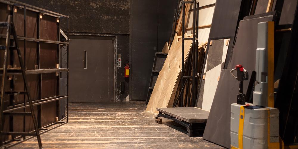 舞台美術家になるための方法とは?