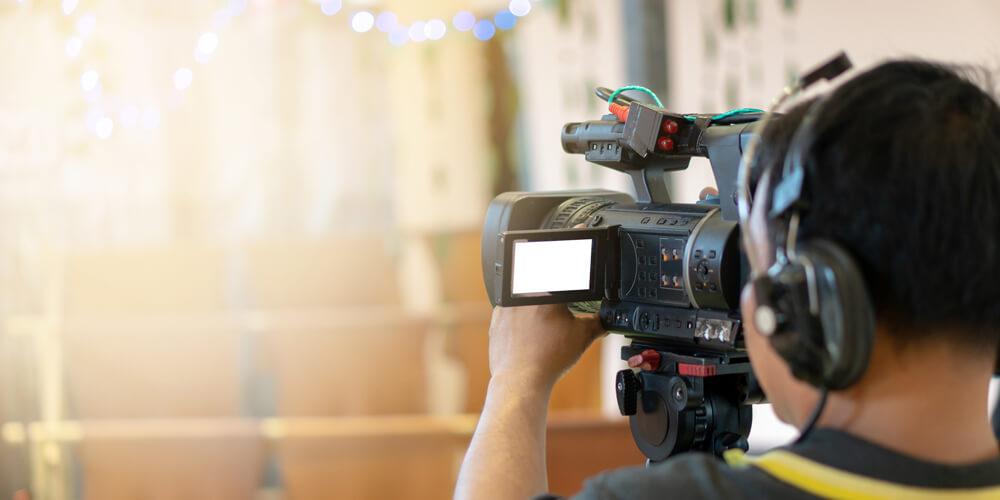 テレビのカメラマンになるにはどうすればいいの?