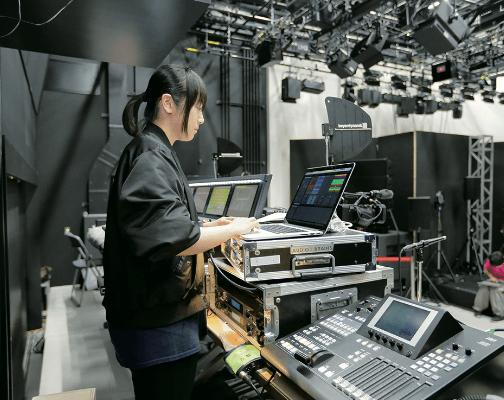 音響、照明、制作、全てを学べる